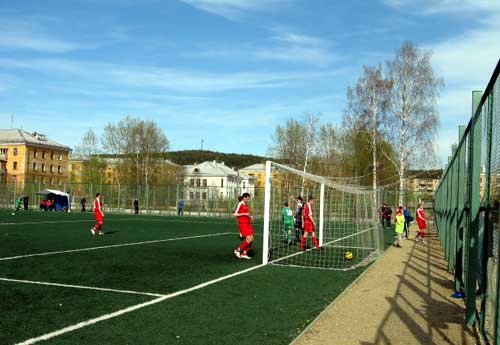 Мяч в сетке ворот Динура после удара Михаила Бердова (2 тайм)