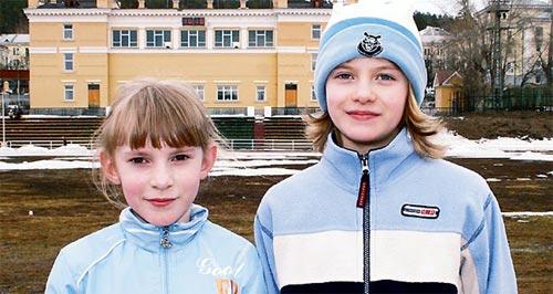 Настя Абрамова и Юля Бабушкина (ДЮСШ-4)