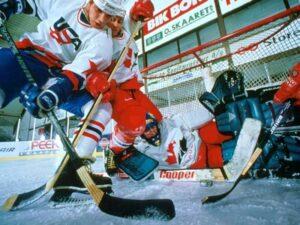 Хоккей с шайбой - фото
